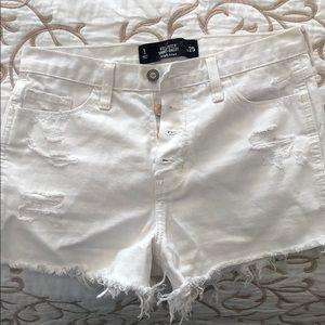 White jeans shorts.